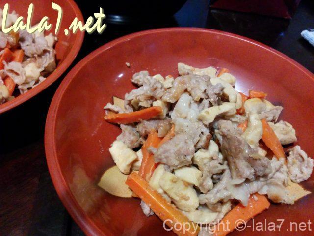 高野豆腐の料理 豚肉との煮炒め