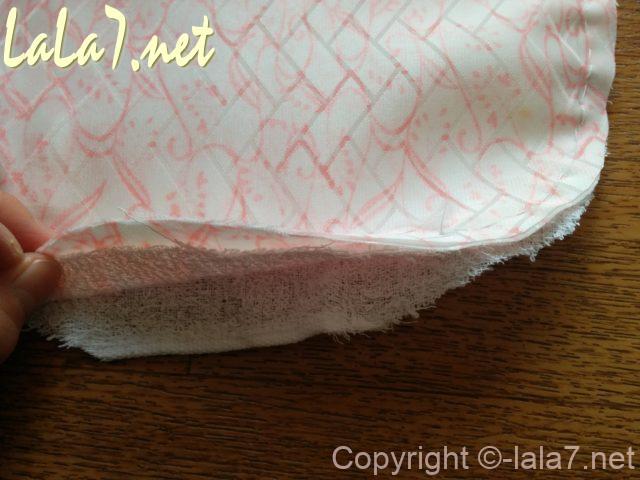 スタイ作り方 周囲を1センチ縫い代で縫う