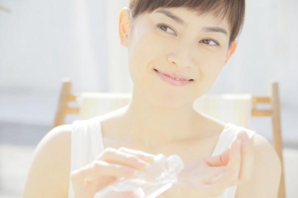 化粧水乳液の付け方