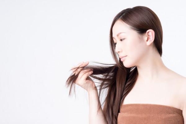 傷んだ髪の原因はこれ!最新の正しいお手入れ法で艶髪になれる(ためしてガッテン)