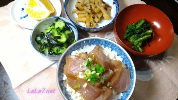 豆腐ご飯でマグロ丼と付け合わせの夕食糖質制限