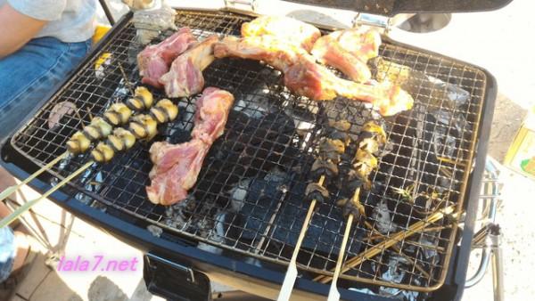 BBQ魚介類肉を焼いているところ