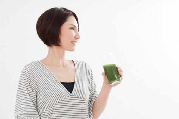 美肌と元気のために緑茶を