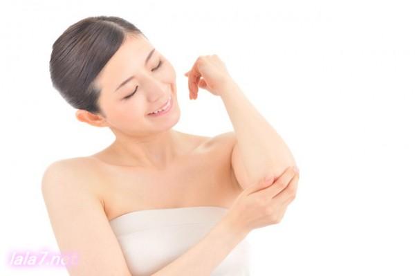 乾燥肌改善ひじしっとり女性