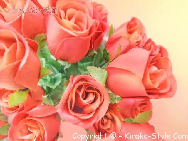 濃いピンクのバラの花束