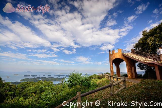 海の見える展望台付近の日本の風景