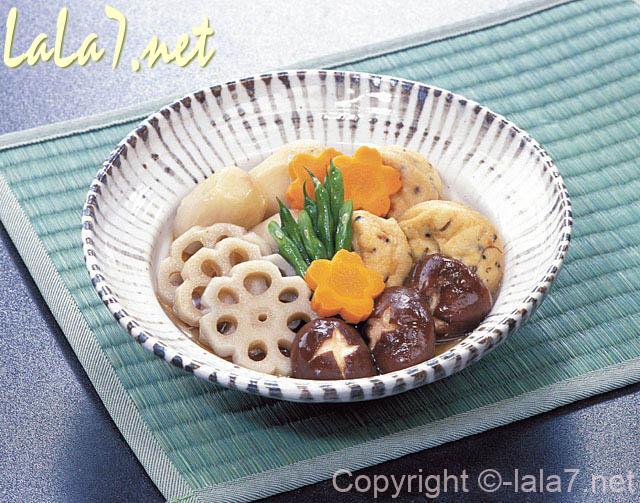 レンコン・シイタケなどの和風の煮物料理