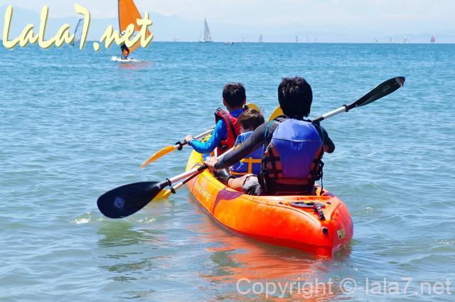 カヤック、カヌー、ウインドサーフィンなどマリンスポーツの様子