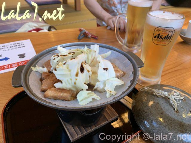 鶏ちゃん焼、焼く前、奥飛騨の飲食店で