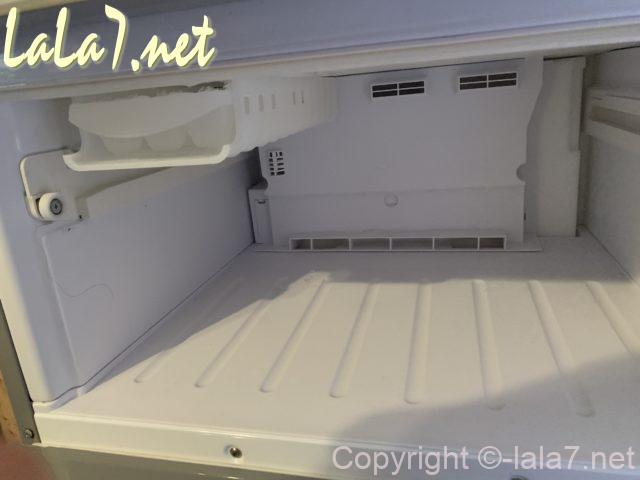 冷蔵庫AQUAの冷凍室、ケースはずしたところ