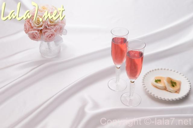 ワイン スパークリングワイン フィンガーフードと花束と